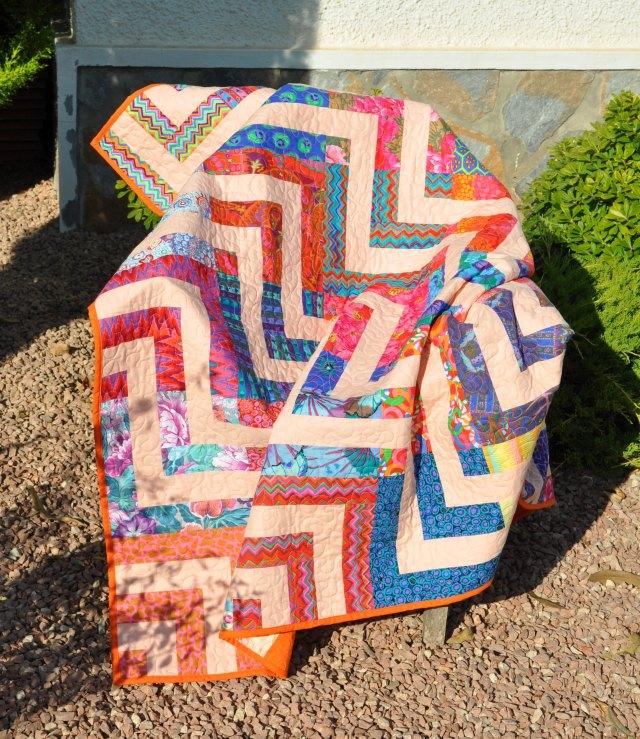 luxor throw chair