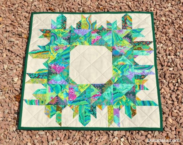 christmas wreath with kaffe fassett fabrics - skalabara.com