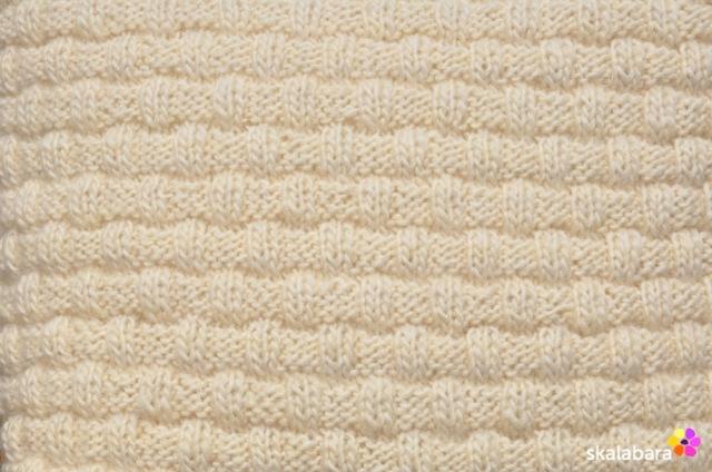 knitted pillow 1- skalabara
