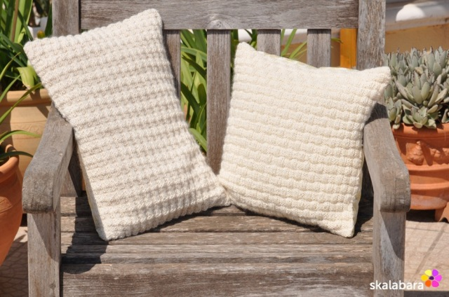 knitted pillows - skalabara