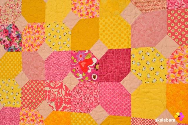 pink baby quilt detail - skalabara