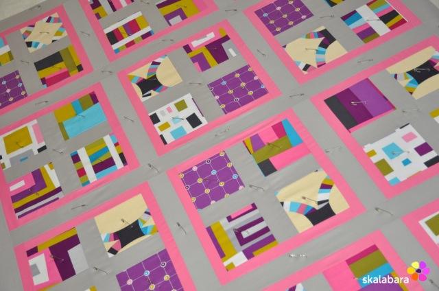 pink wave quilt - pinning - skalabara