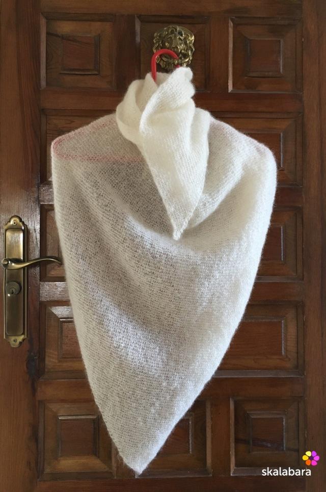 white shawl - skalabara