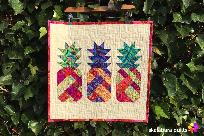 pineapple farm mini quilt - skalabara quilts
