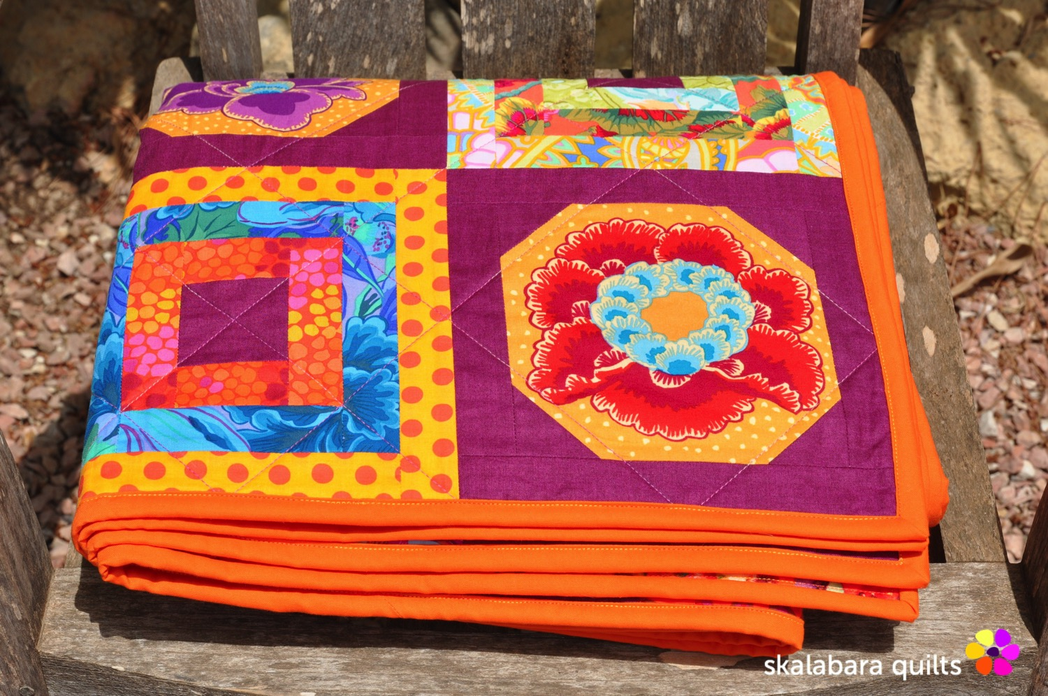 magenta and gold flowers quilt binding - skalabara quilts