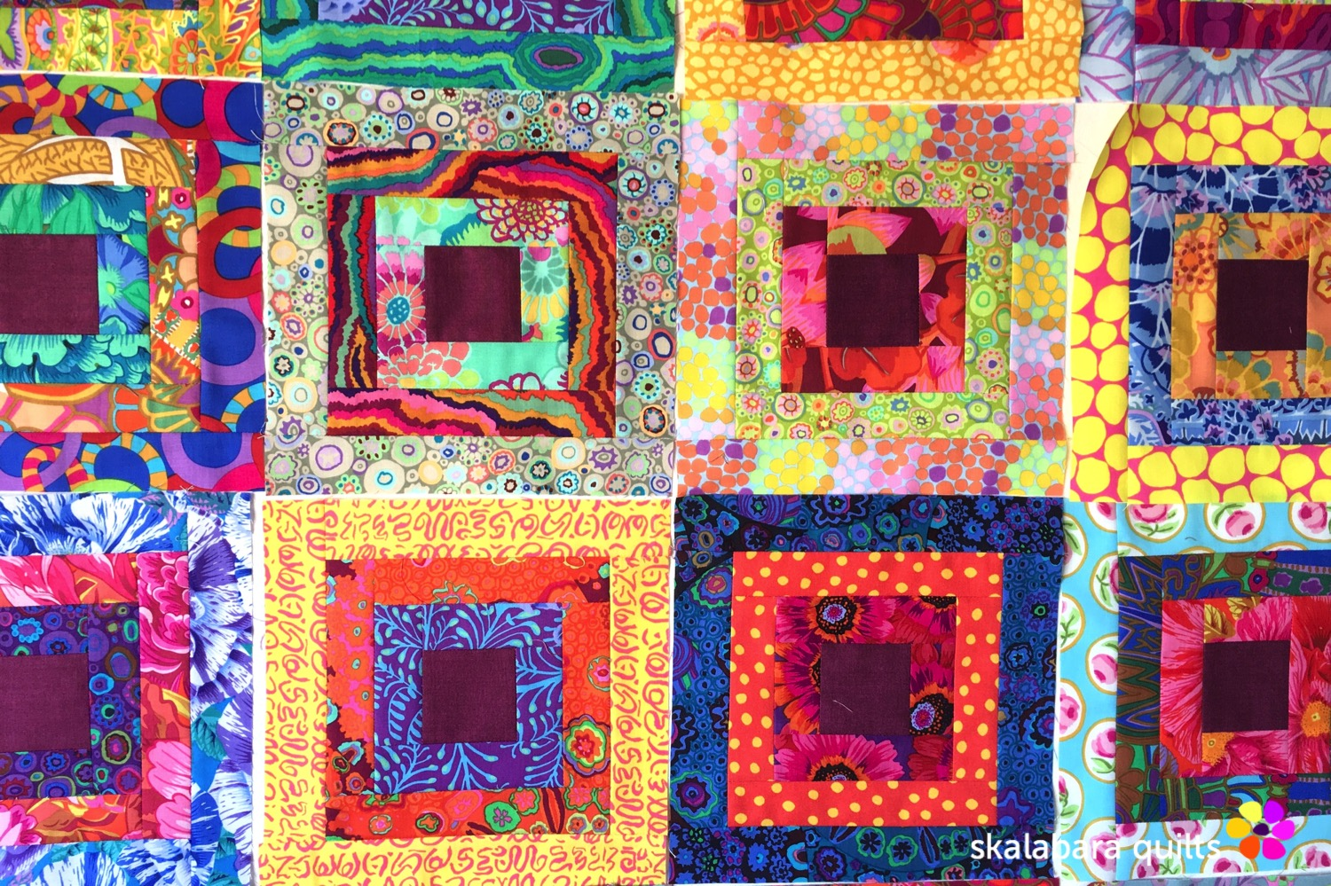 magenta and gold flowers quilt log cabin block - skalabara quilts