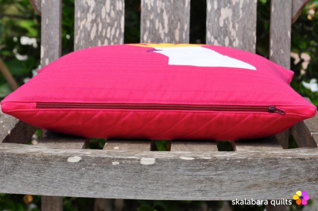 cockatoo cushion cover zipper- skalabara quilts