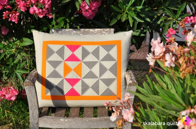 cushion cover hourglass 4 - skalabara quilts