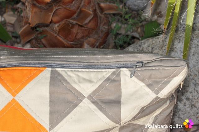 cushion cover hourglass zipper - skalabara quilts