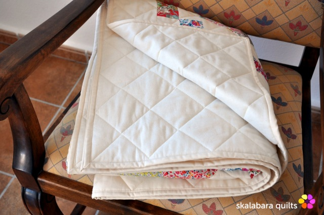 levitating liberty jewel box eggshell quilt 18 - skalabara quilts