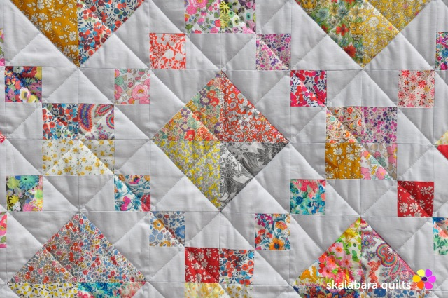 levitating liberty jewel box silver quilt detail 12 - skalabara quilts