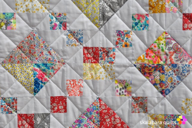 levitating liberty jewel box silver quilt detail 13 - skalabara quilts