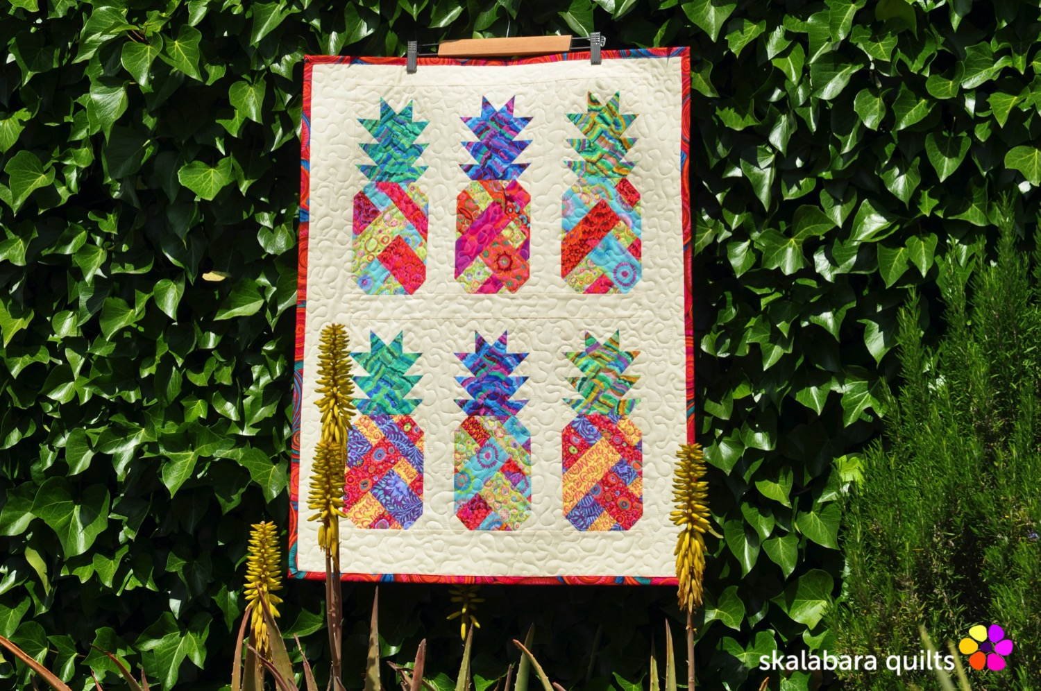 pineapple wall hanging 4 - skalabara quilts