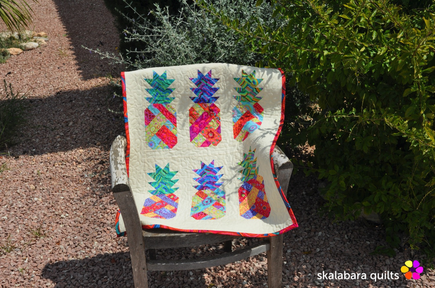 pineapple wall hanging 5 - skalabara quilts