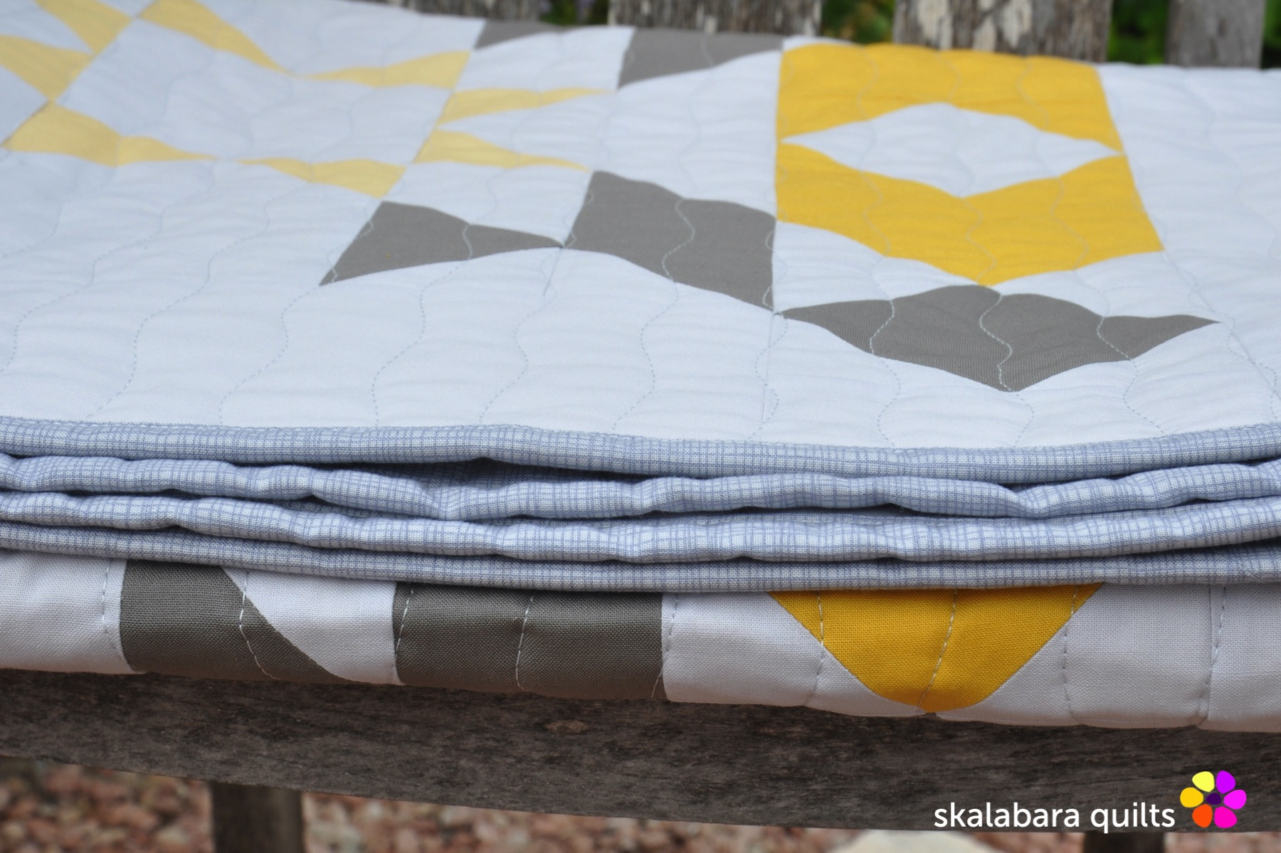 atmosphere quilt binding 1 - skalabara quilts