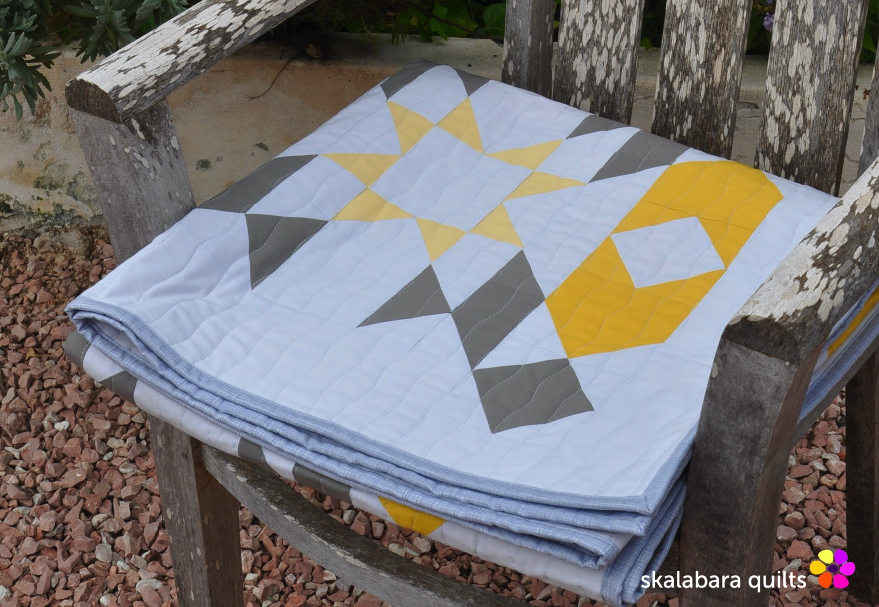 atmosphere quilt binding 3 - skalabara quilts