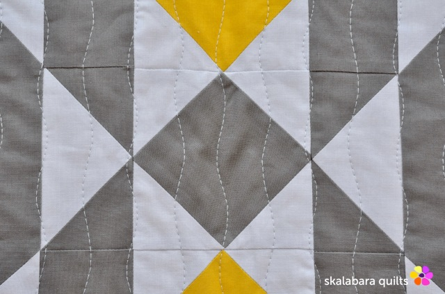 atmosphere quilt detail 3 - skalabara quilts