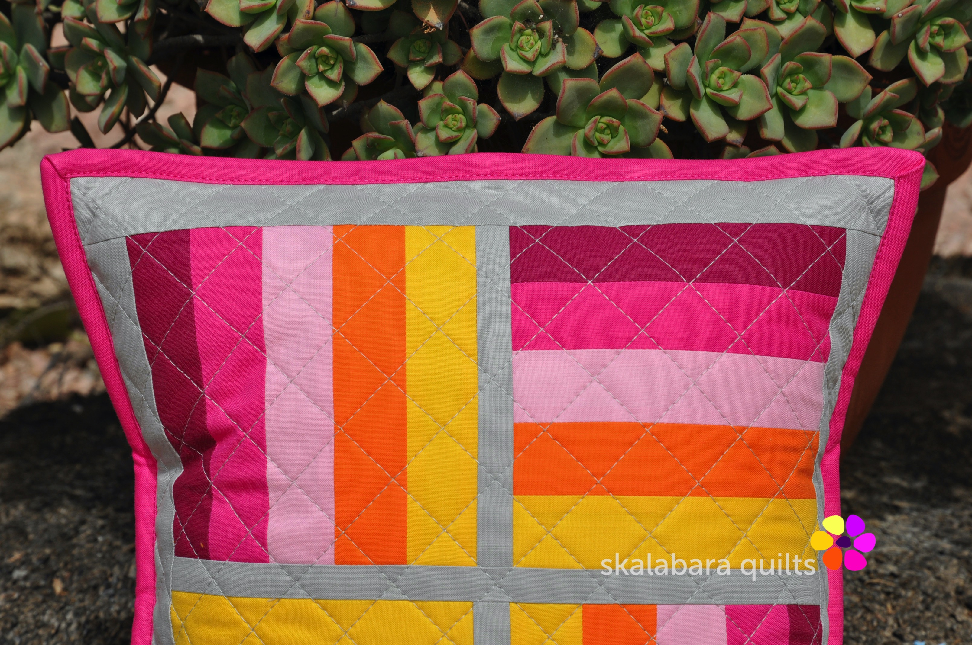 april pinkie cushions detail 1 - skalabara quilts