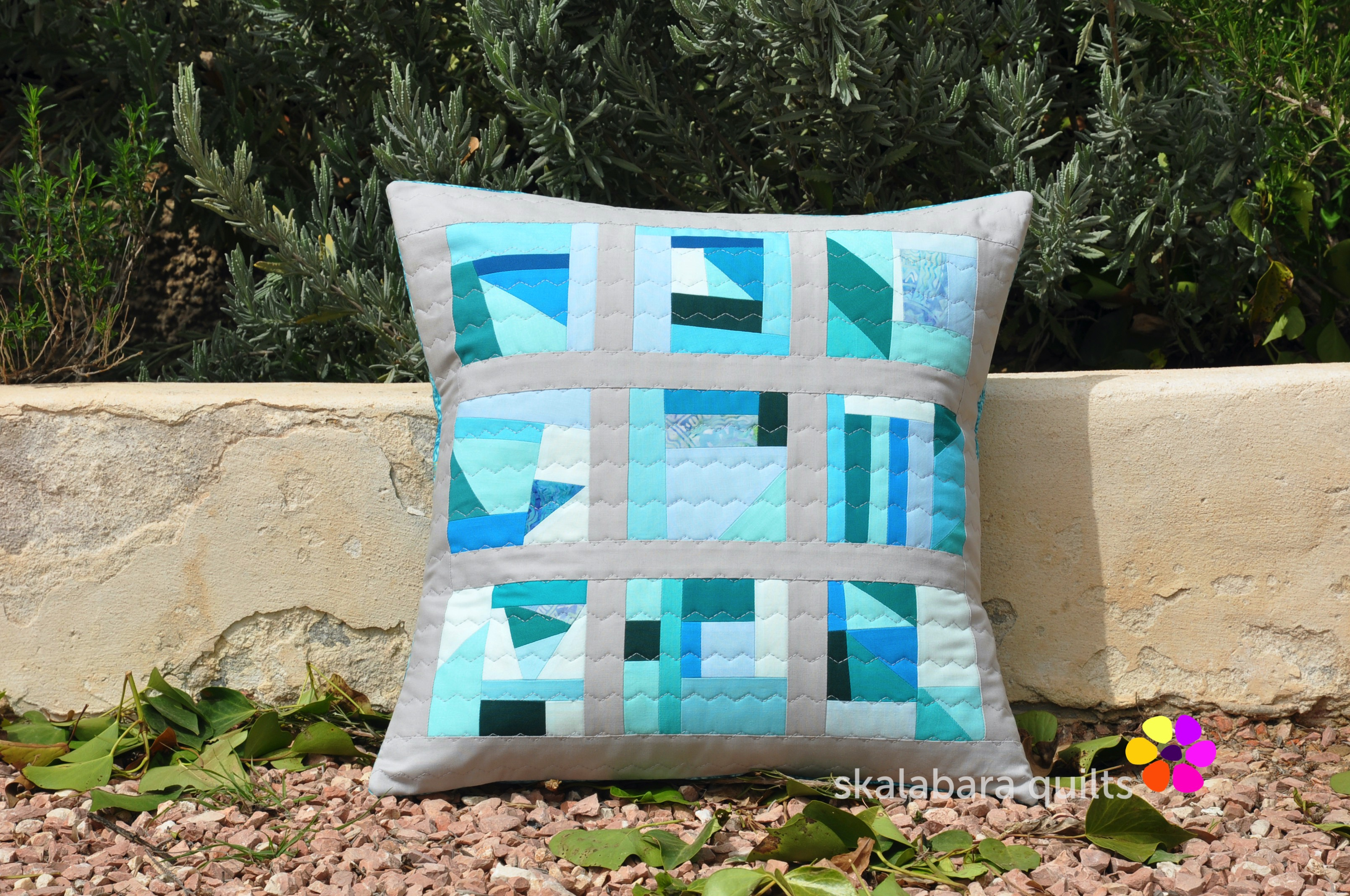 april turquoise cushion 1 - skalabara quilts