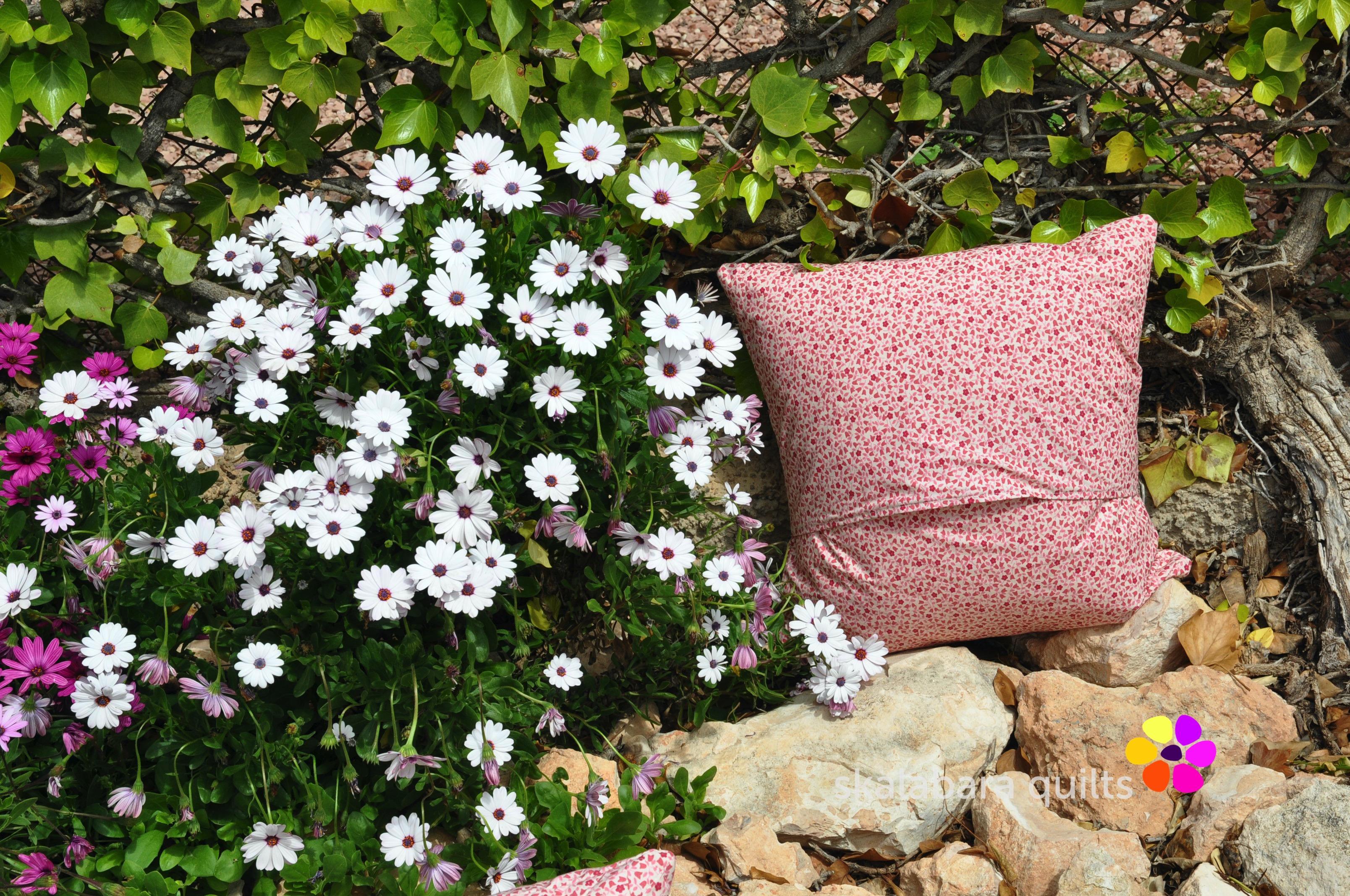broken dishes cushions backing 1 - skalabara quilts